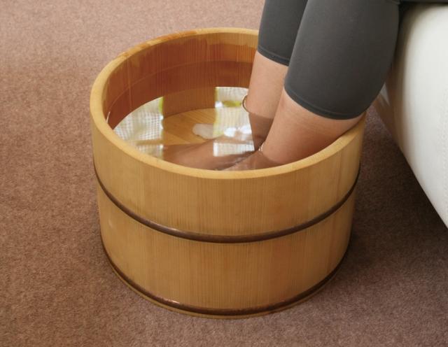 【すぐできる】変形性股関節症のためのアロマ浴「アロマ足浴」