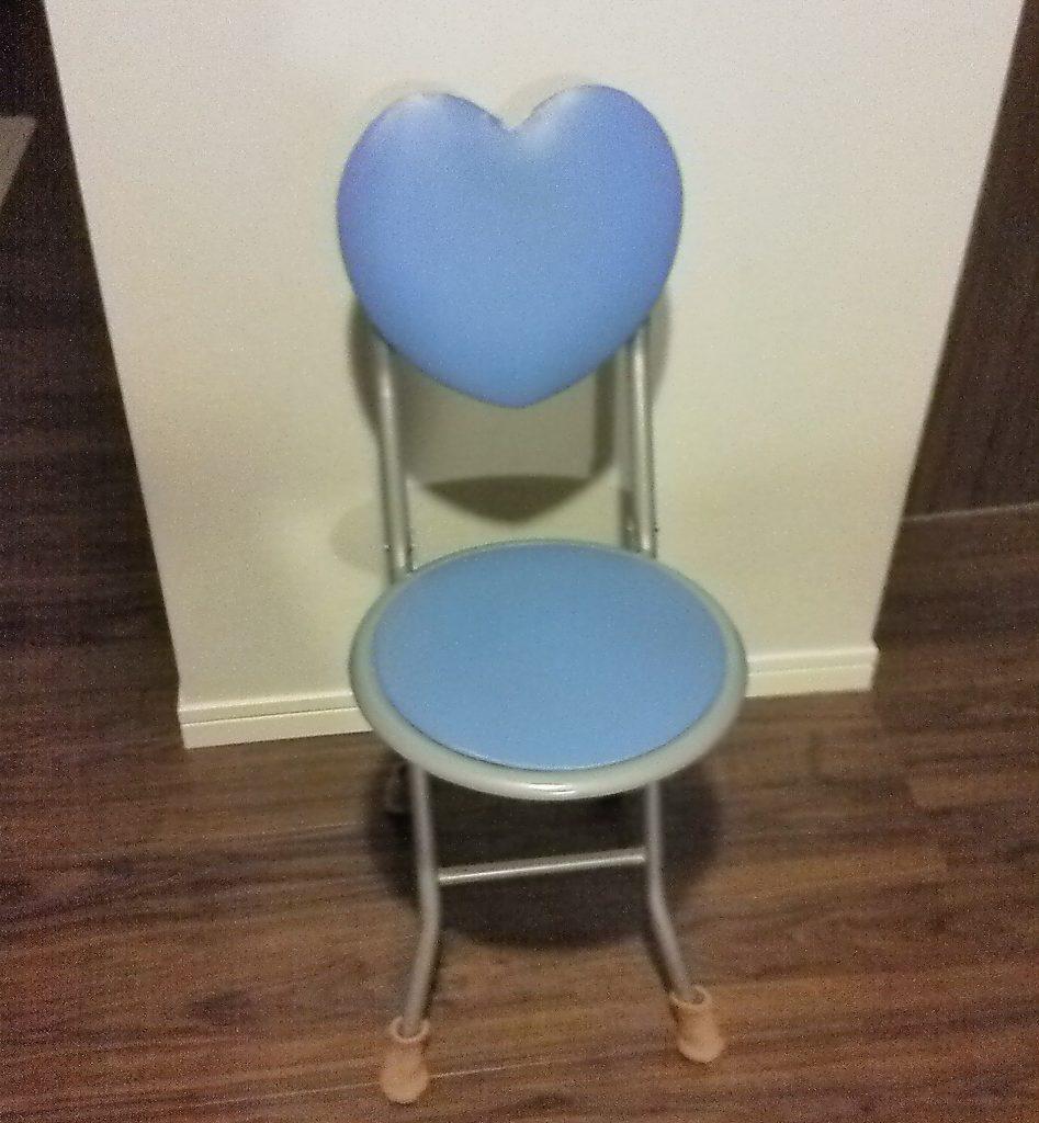 ひどい股関節痛でも大丈夫!家事が楽になる「折りたたみ椅子」のススメ